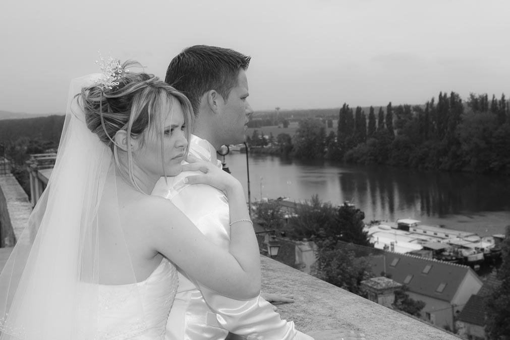 Couple mariage noir et blanc